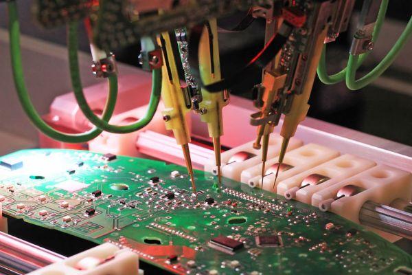 9 najčastejších porúch elektronických komponentov a ako im predchádzať