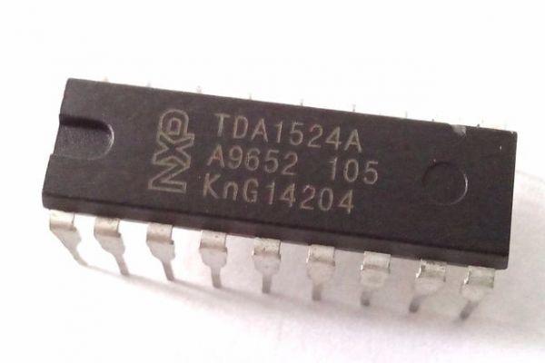 Korekčný pred zosilňovač s TDA1524