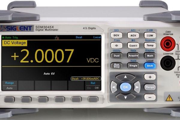 Stolný multimeter Siglent SDM3045X