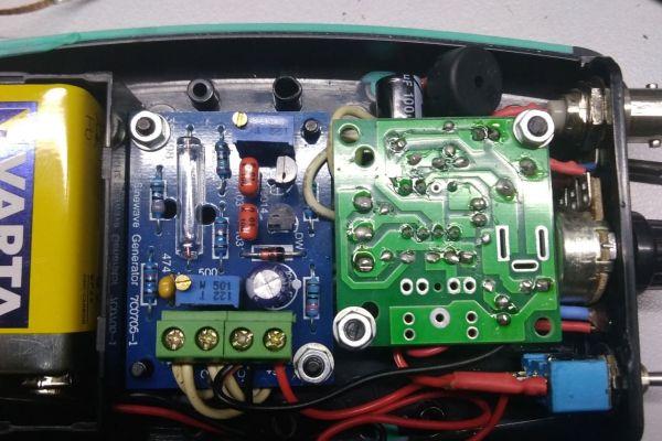 Vreckový generátor sínusového signálu 1kHz