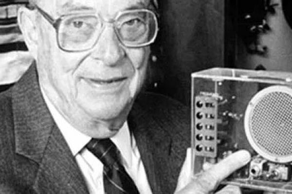 Walter Houser Brattain – Tranzistor hodný Nobela